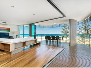Kirra Wave 702 - Strictly for those seeking a luxury beachfront escape!