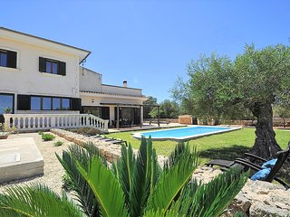 NA BUBOTA. Rustic Finca in Algaida for 8 people with private pool Eco-friendly.