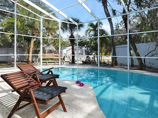 Siesta Key Canal + Pool Home- 3 Bedroom