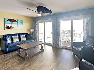 New 4 Bedroom 2 Bath Waterfront Condo - Sleeps up to 10 max C111