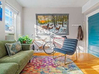 Perfect for Business or Pleasure! Walk to Everything, 2 Bikes Avail, Walk Score