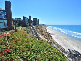 Solana Beach Condo- Short Walk to the Beach!