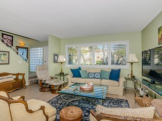 Solana Beach Condo - Close to Beaches and Shopping