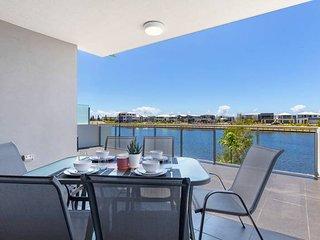 Sunshine Coast Lake Views★FREE Wine+Wifi+Netflix