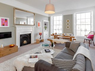 Location, Location, Location Great Pulteney Street minutes walk from the centre