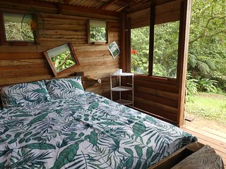 Ecolodge in nature reserve (30min. from Cali)