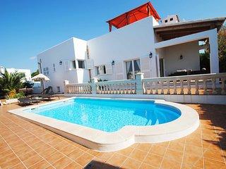 Villa Luca a Contemporary Villa in the emblematic Ibizan style town of Cala d´Or