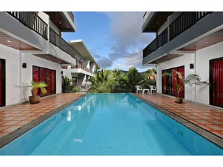 Hat Yai Apartment Sleeps 14 with Pool and Air Con - 5767158
