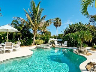 Sea Pearl - on the Canal in Anna Maria with heated pool. Pet friendly!