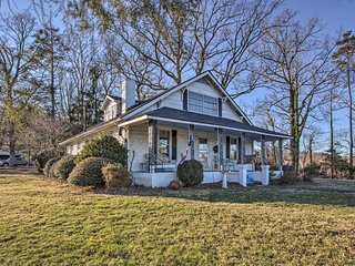 Historical Family Home, 12 Mi to DT Asheville