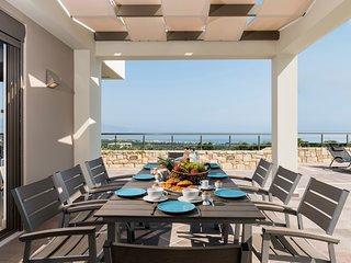 Delimanoliana Villa Sleeps 8 with Pool and Air Con - 5757154
