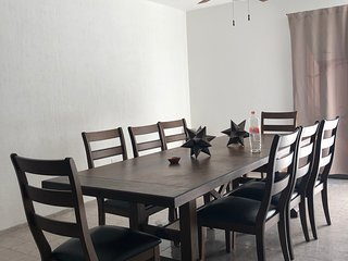 Beautiful spacious 5 bedroom house in downtown Cancun
