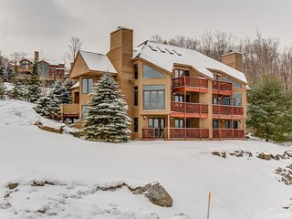 Luxurious ski-in ski-out townhome with stunning views