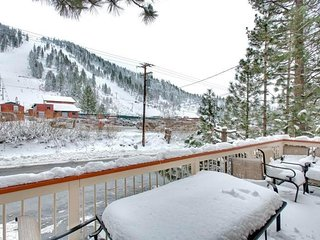 Heavenly Valley Slopeside Ski Cabin with a Private Hot Tub