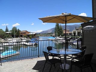 Upscale Waterfront Condo With Heavenly Views