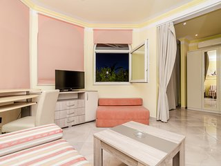 Pansion Villa Antonio - Standard Triple Room 1