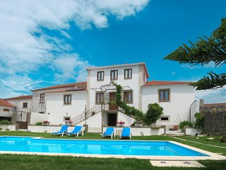 5 bedroom Villa with Pool, Air Con, WiFi and Walk to Shops - 5760892