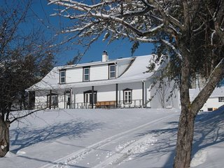 8 bedroom farmhouse Mont Ste Anne