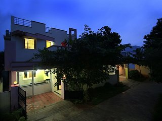 Capacious 6 Bedroom Apartment With Breakfast