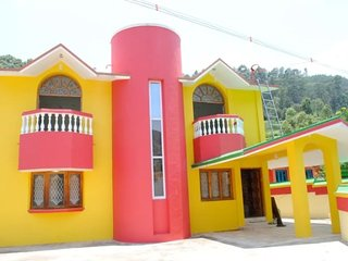 Colourfull 6 Bedroom Cottage In Old Aruvangadu