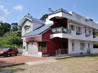 Appealing 5 Bedroom Homestay In Kushalnagar