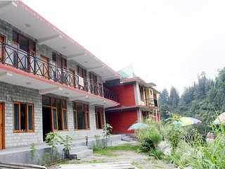 Cosy Rooms Next to River In Manali
