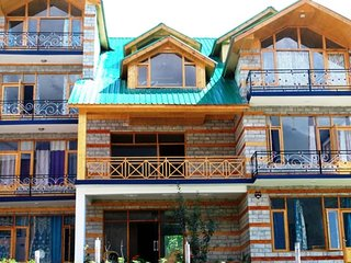 Wooden Furnished Room at In Manali