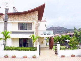Graceful 3 Bedroom Villa In Lonavala