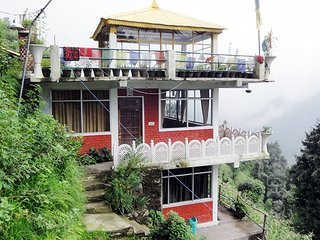 Beautiful Modern Homestay In Dalhousie