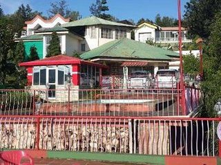 Super Attractive Bungalow In Mahableshwar