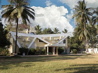 Super Attractive Villa In Daman and Diu