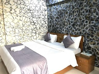 Fully Furnished 2 BHK Service Apartment