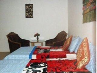 Pretty Bed & Breakfast Homestay In Agra
