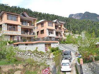 Green Height Cottage In Manali