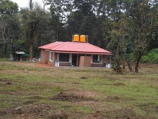 Glamorous 2 BHK Homestay in Kushalnagar
