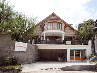 Mesmerizing Shaswhat Villa Cottage In Manali