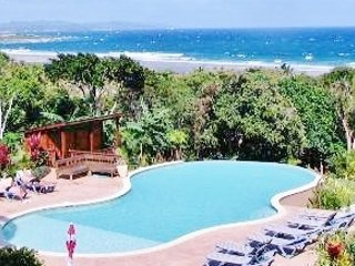 CONDO MIRA DEL MAR- Seaside, Stunning Views, Sand Beach, Pool & Shore Snorkeling