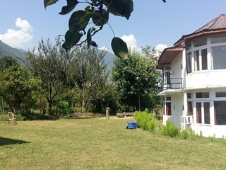 Mountain Valley Villa in Kullu
