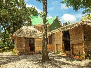 Super Looking Bedroom Homestay In Munnar