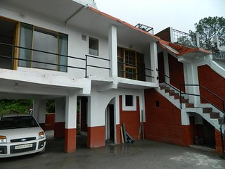 Holiday Bed & Breakfast Home In Bhimtal
