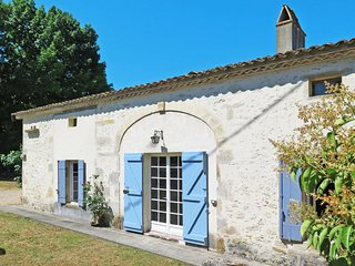3 bedroom Villa in Saint-Antoine-du-Queyret, France - 5761078