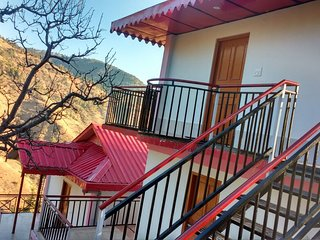 Nature Friendly Valley Homestay Near Chail