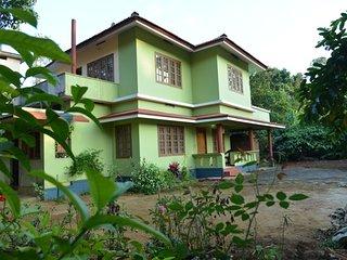 Pretty 2 Bedroom Homestay in Kariampady