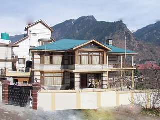 6 Bedroom Luxury Cottage In Manali