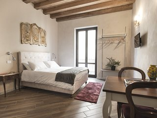 Palazzo Conte Federico - Open Space with balcony + free tour
