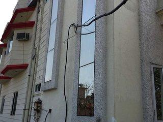 Well Furnished Service Apartment In Dehradun