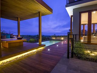 5BDR Villa with South Bali View