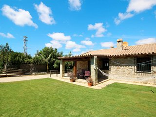 2 bedroom Villa with Pool and WiFi - 5686710