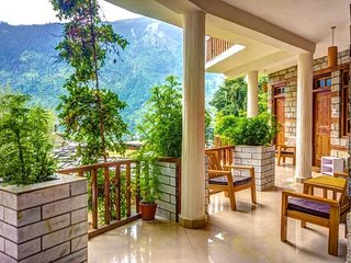Legendary Country House in Old Manali