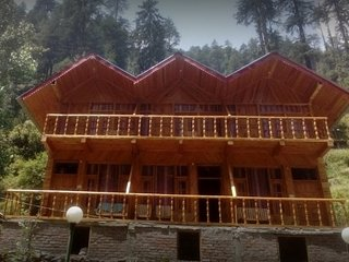 Wooden Homestay in Jibhi